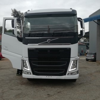2016 VOLVO FH (4) 440 6X4 SLEEP T/T C/C - AFTER